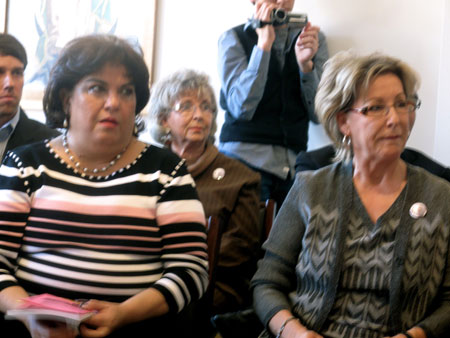 Esther Cano's nieces, Marta Strobach (left) and Sylvia Berdeja (right)