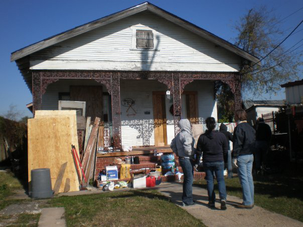 Students from the Catholic Campus Ministry help in the continuing reconstruction of New Orleans (Courtesy of CCM)