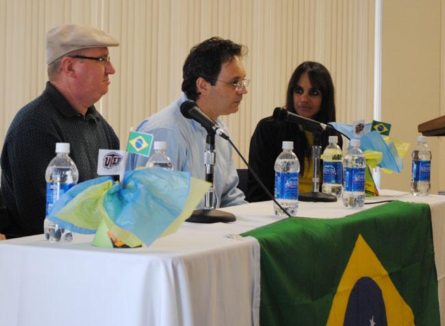 UTEP Professors Cesar Rossatto, Heitor Santos and Aileen El-Kadi talking on a panel about Brazil (Lourdes Cueva Chacón/Borderzine.com)