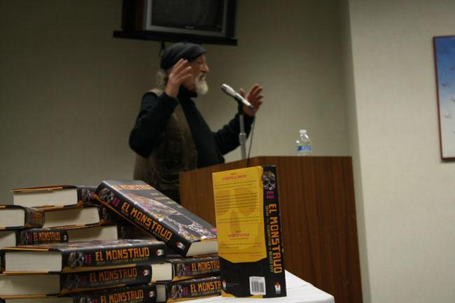 <em>El Monstruo</em>, John Ross' latest book. (Raymundo Aguirre/Borderzine.com)