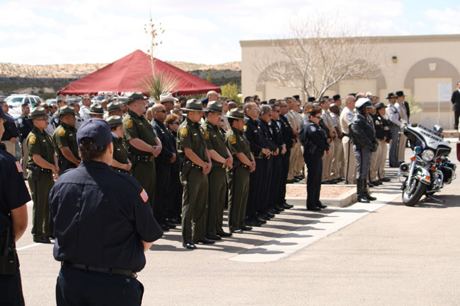 Officers of several county and federal agencies presented their respects to the murdered couple. (Raymundo Aguirre/Borderzine.com)