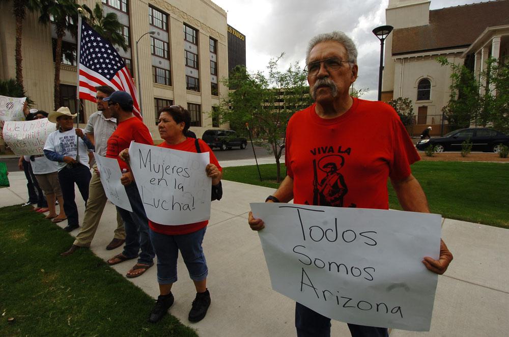 Guillermo Glenn, coordinador de la Asociación de Trabajadores Fronterizos, estuve presente en la celebración/protesta. (Juan Torres/Borderzine.com)