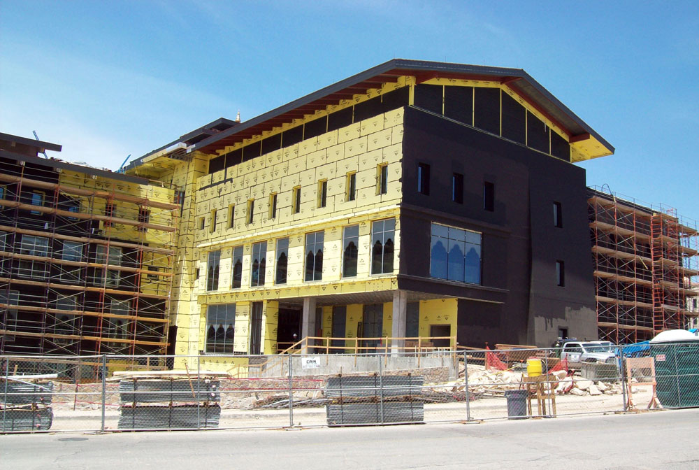 The new facility for the School of Nursing will be able to host 3,491 students and 139 faculty, their expected population by 2015. (Phillip Henderson/Borderzine.com)