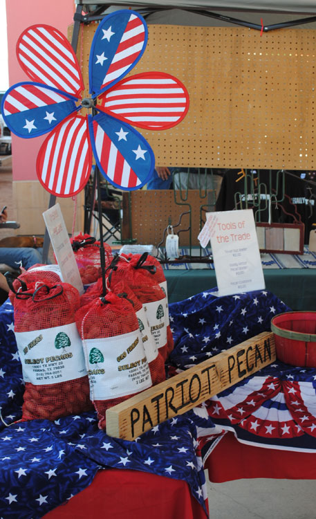 Patriot Pecans from Fabens, Texas at the The Outlet Shoppes at Canutillo, Texas (Danya Hernandez/Borderzine.com)