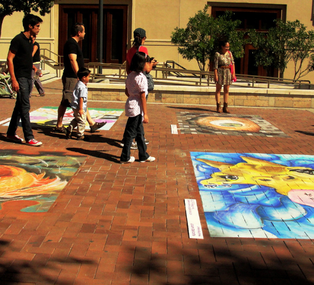Public enjoys chalk art at Chalk the Block 2010 at Downtown El Paso (Omar Perez/Borderzine.com)