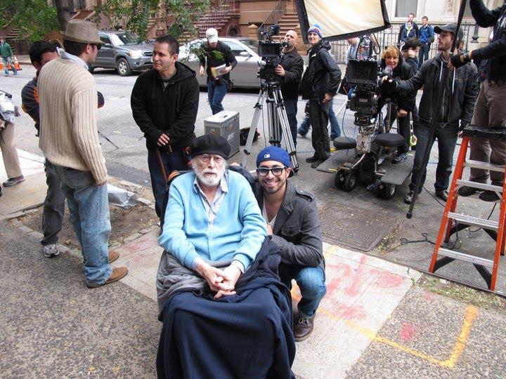 Edy Soto, co-director del cortometraje, posa junto al destacado actor cubano Tomás Milián. (Cortesía de Edy Soto.)