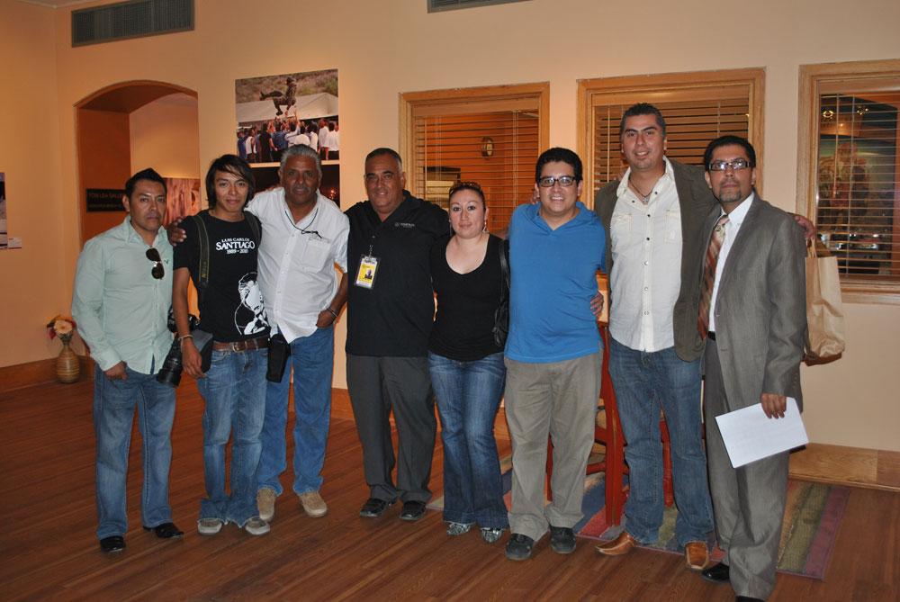 Fotógrafos héroes de El Diario de Juárez presentes en la inauguración de la exhibición fotográfica. (Danya Hernandez/Borderzine.com)