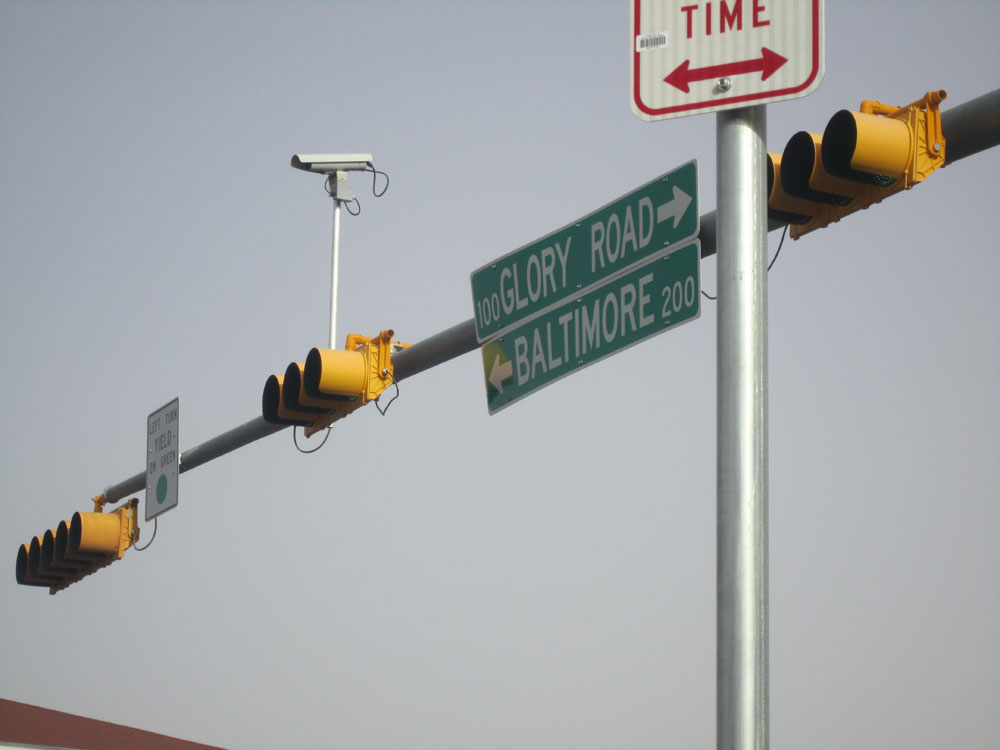 A red-light camera at the intersection of Glory Road and Mesa St. on West side El Paso. (Adriana Macias/Borderzine.com)