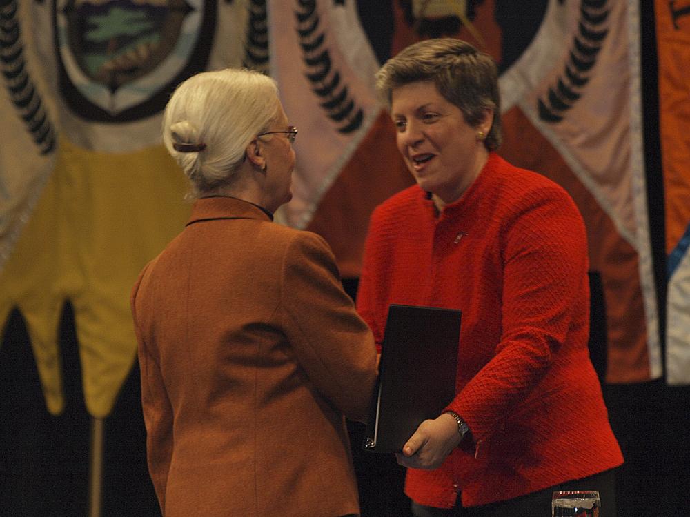 UTEP President, Diana Natalicio, welcomes Department of Homeland Security Secretary Janet Napolitano. (Robert Brown/Borderzine.com)