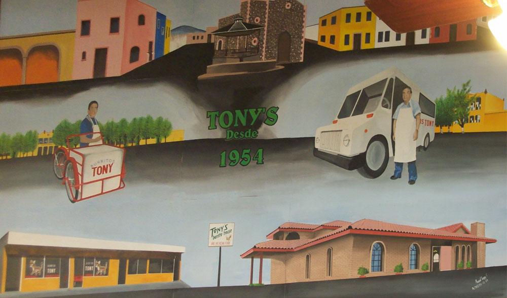 Burritos Tony has always been a tradition in Ciudad Juarez. (Dalinda Garcia/Borderzine.com)