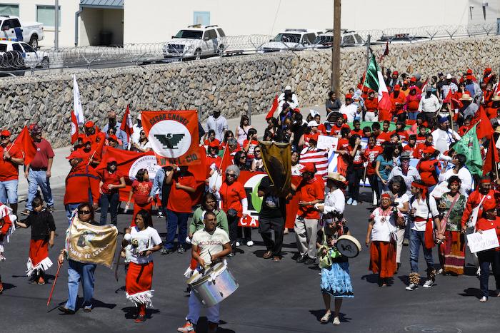 Farm workers, students, educators, artists and lawyers flooded downtown El Paso. (Raymundo Aguirre/Borderzine.com)