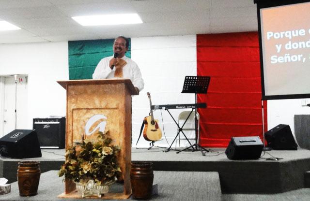 Ramiro Macias, pastor of Centro Cristiano Familiar Vencedores. (Ytzel Arrunada)