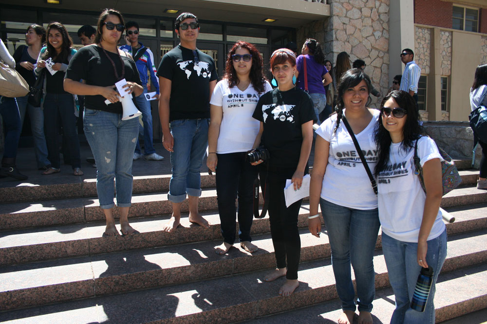 Members of TOMSCC and ONECC took part in One Day Without Shoes on Tuesday, April 5. (Diana Amaro/Borderzine.com)