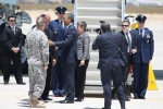 President Obama greet Fort Bliss commanding officers at his arrival at El Paso. (Raymundo Aguirre/Borderzine.com)