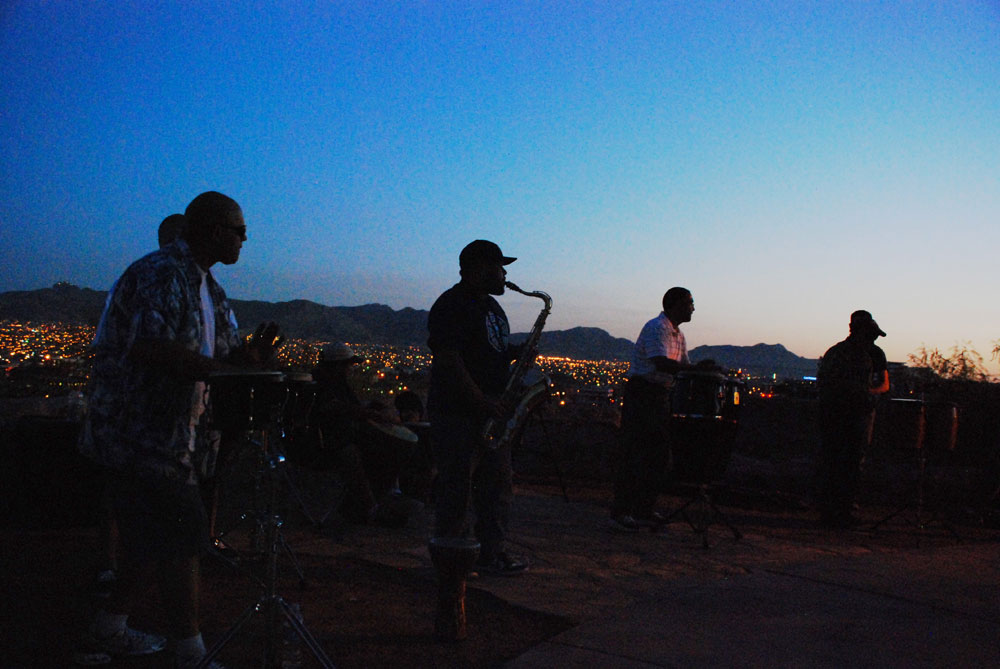 Echos in the Park playing at Tom Lea Park. (Omar Lozano/Borderzine.com)