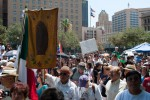 The crowd at San Jacinto Plaza was counted in the hundreds. (David Acosta/Borderzine.com)