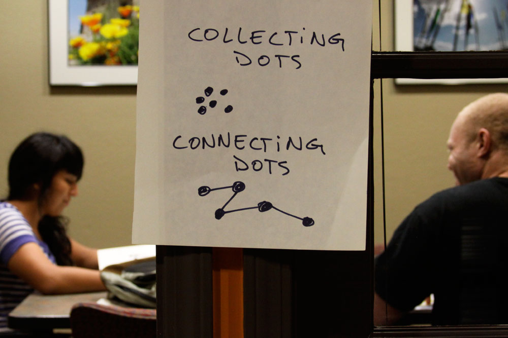 Dots. (Raymundo Aguirre/Borderzine.com)