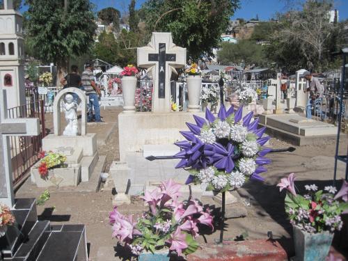 Dia de los Muertos at Nogales cemetary. (Peg Bowden)