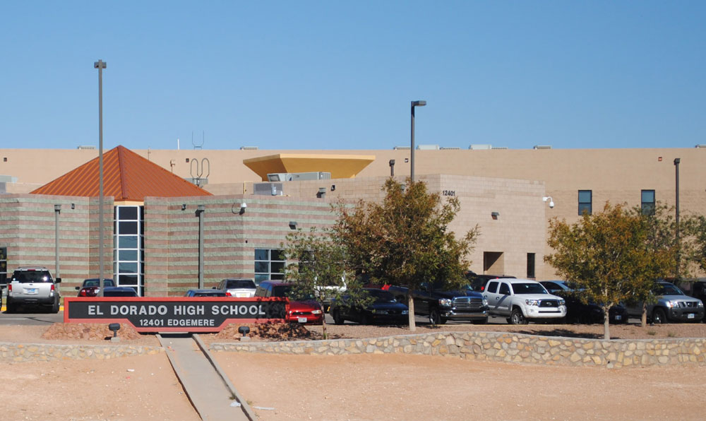 El Dorado High School's faculty consider that dual degree classes help raise the academic level of all students because it sets the bar at a highest level. (Nicole Castillo/Borderzine.com)