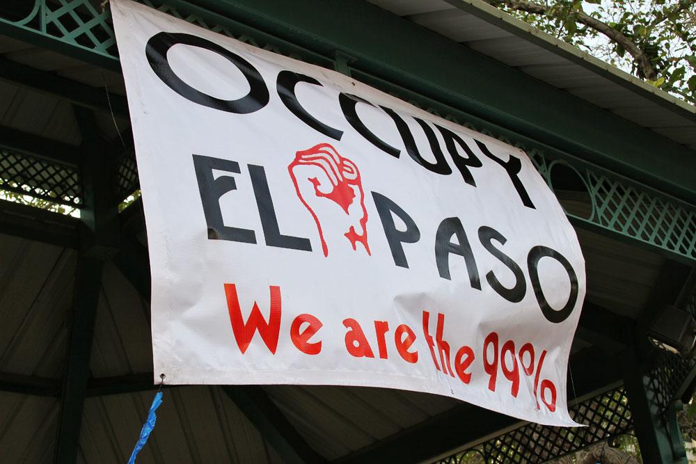 We are the 99%. (Luis Hernández/Borderzine.com)