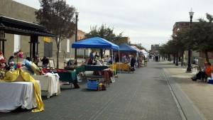 El Paso Art Market at Union Plaza. (William Vega/Borderzine.com)
