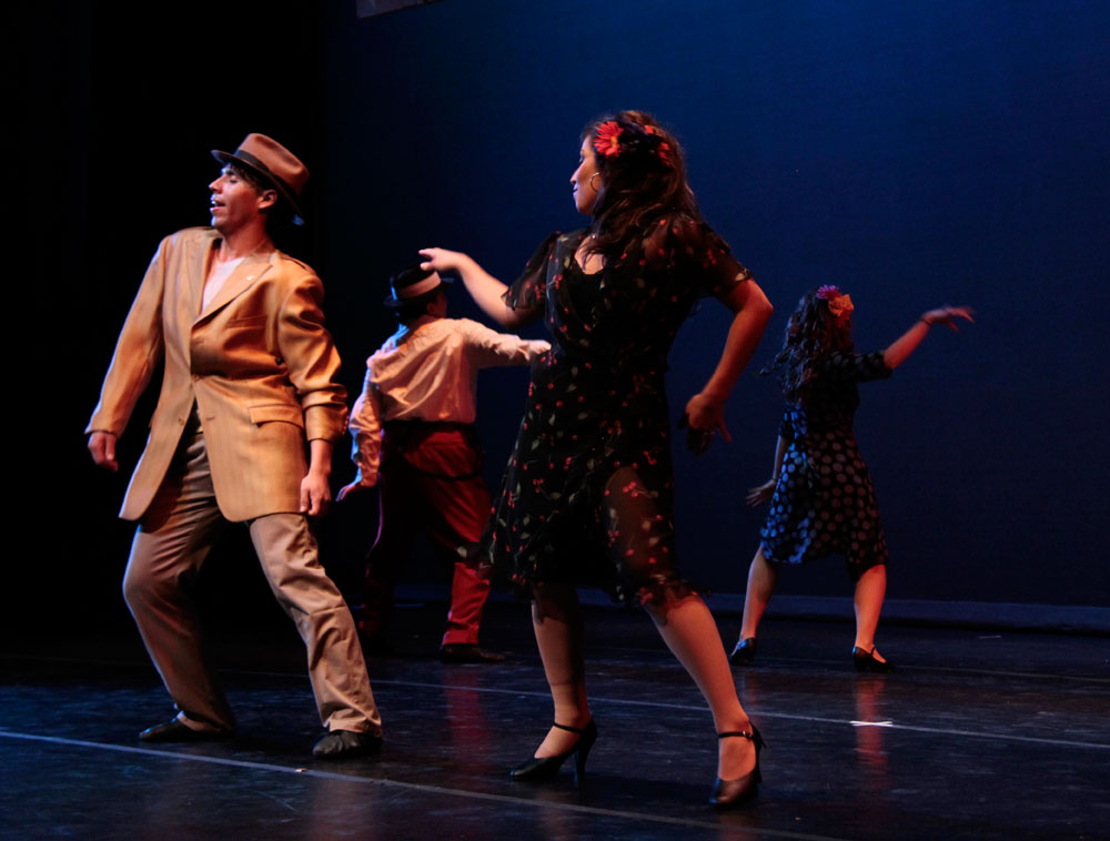 Pachuco Zoot: A Tale of Identity by coreographer Lisa Smith. (Ezra Rodriguez/Borderzine.com)