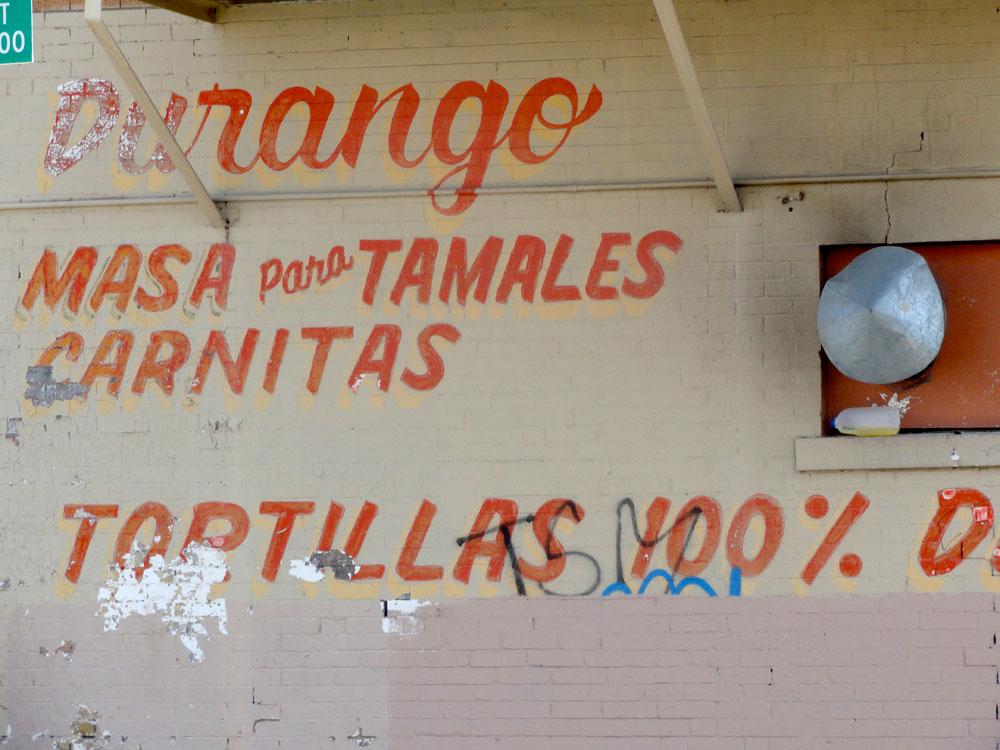 El Paso has a rich tradition of hand lettering. (Christine Villegas/Borderzine.com)