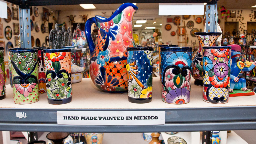 Mexican crafts sold at El Paso Saddleblanket. (Robert Brown / Borderzine.com)