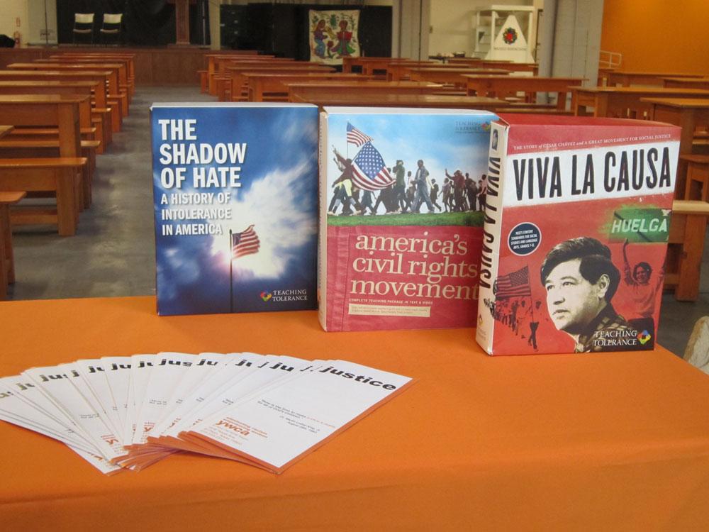 The Librotraficante Caravan exhibited some of the banned books at Mercado Mayapan. (Idali Cruz/Borderzine.com)