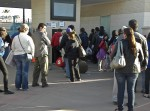 The new system is causing stalled lines because of a learning curve in pedestrians and some problems with the new machines. (Guerrero Garcia/Borderzine.com)