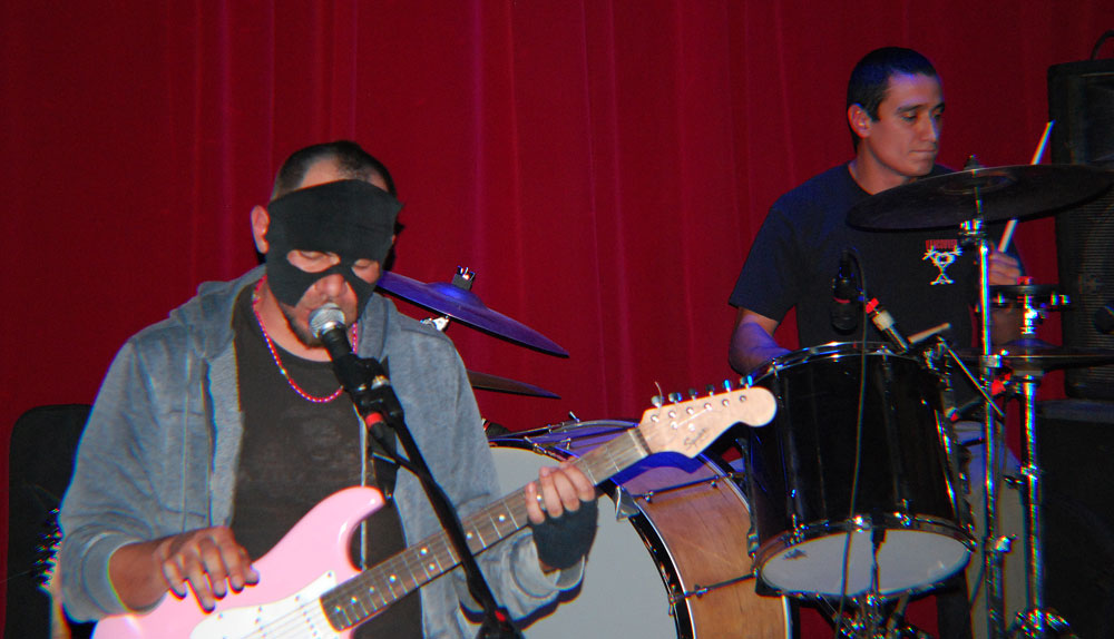 Mexicans at Night duo playing at M's Lips Lounge in downtown El Paso. (Annette Baca/Borderzine.com)