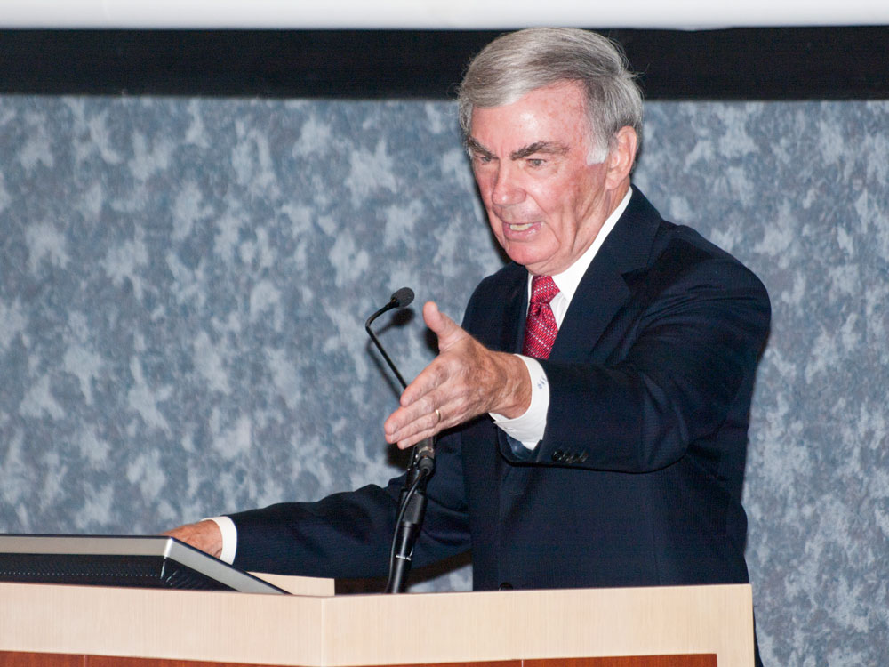 Veteran White House correspondent, Sam Donaldson at the University of Texas at El Paso. (Robert Brown/Borderzine.com)