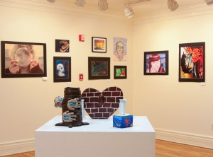 Hearts of Fire exhibition at La Galería de la Misión de Senecu. (Erika Lopez/Borderzine.com)