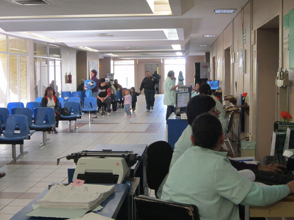 """""""Approximately 10% of all the patients that are looked after in the clinic have diabetes,"""" said epidemiologist Rodolfo Elias. (Idalí Cruz/Borderzine.com)"""