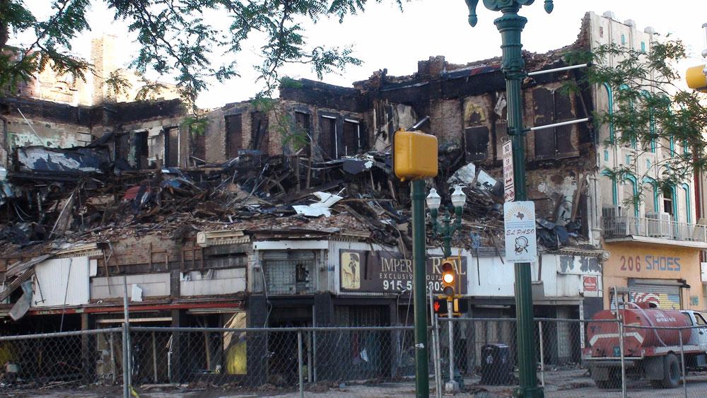 The landmark building went up in flames shortly after 6:30 p.m. Thursday, April 19. (Ken Hudnall/Borderzine.com)