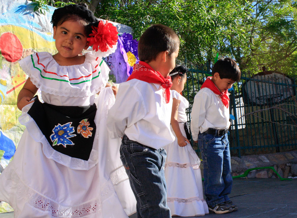 Children at Rayito de Sol celebrate the daycare's 12th anniversary. (Danya Hernandez/Borderzine.com)