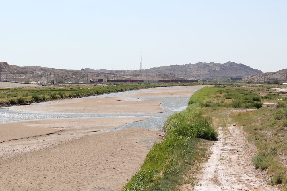 The Rio Grande has a water depth of 3 feet within El Paso. (Nick Miller/Borderzine.com)