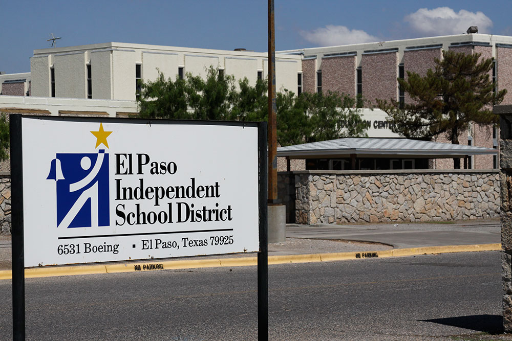 Currently, there is a call in the El Paso Times for the EPISD board to resign, but the president of the board, Isela Castañon-Williams, is standing her ground. (Raymundo Aguirre/Borderzine.com)