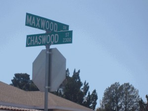 The community at the intersection of Maxwood and Chaswood will benefit from a societal issue research project by UTEP students. (Guerrero García/Borderzine.com)