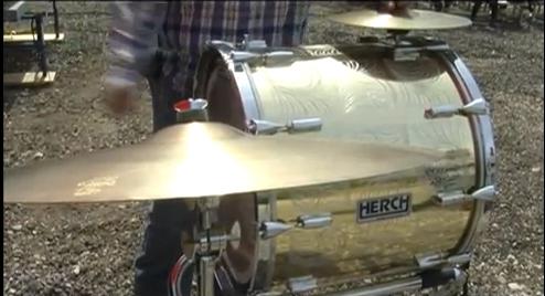 La tambora es el sonido que define al nuevo ritmo del tamborazo. (Janeth Mendoza/Borderzine.com)