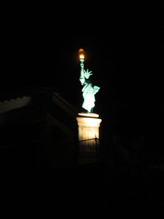 El Paso's own Statue of Liberty, off Rim Road. (Cheryl Howard/Borderzine.com)