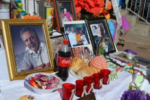 Pan dulce and candies to honore the victims on violence in Juarez. (Krystle Holguin/Borderzine.com)