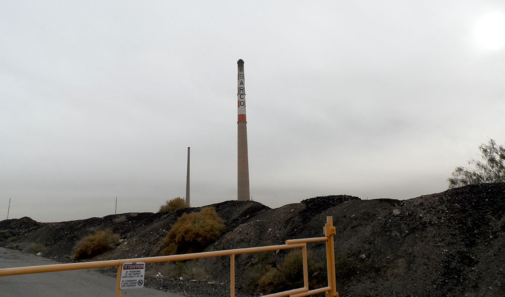 The now permanently closed entrance to ASARCO and Smelter Town. (Ernie Chacon/Borderzine.com)