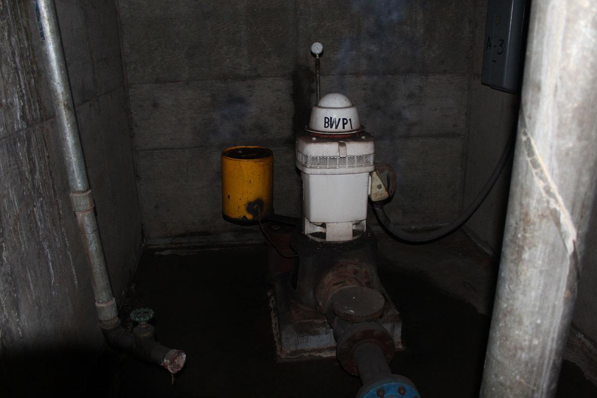 The original well beneath the Hotel San Carlos. (Ken Hudnall/Borderzine.com)