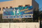 La nueva franquicia de los Indios, ahora auspiciados por la UACJ, espera que los aficionados abracen sus nuevos colores, blanco y azul. (Iliana Estrada/Borderzine.com)