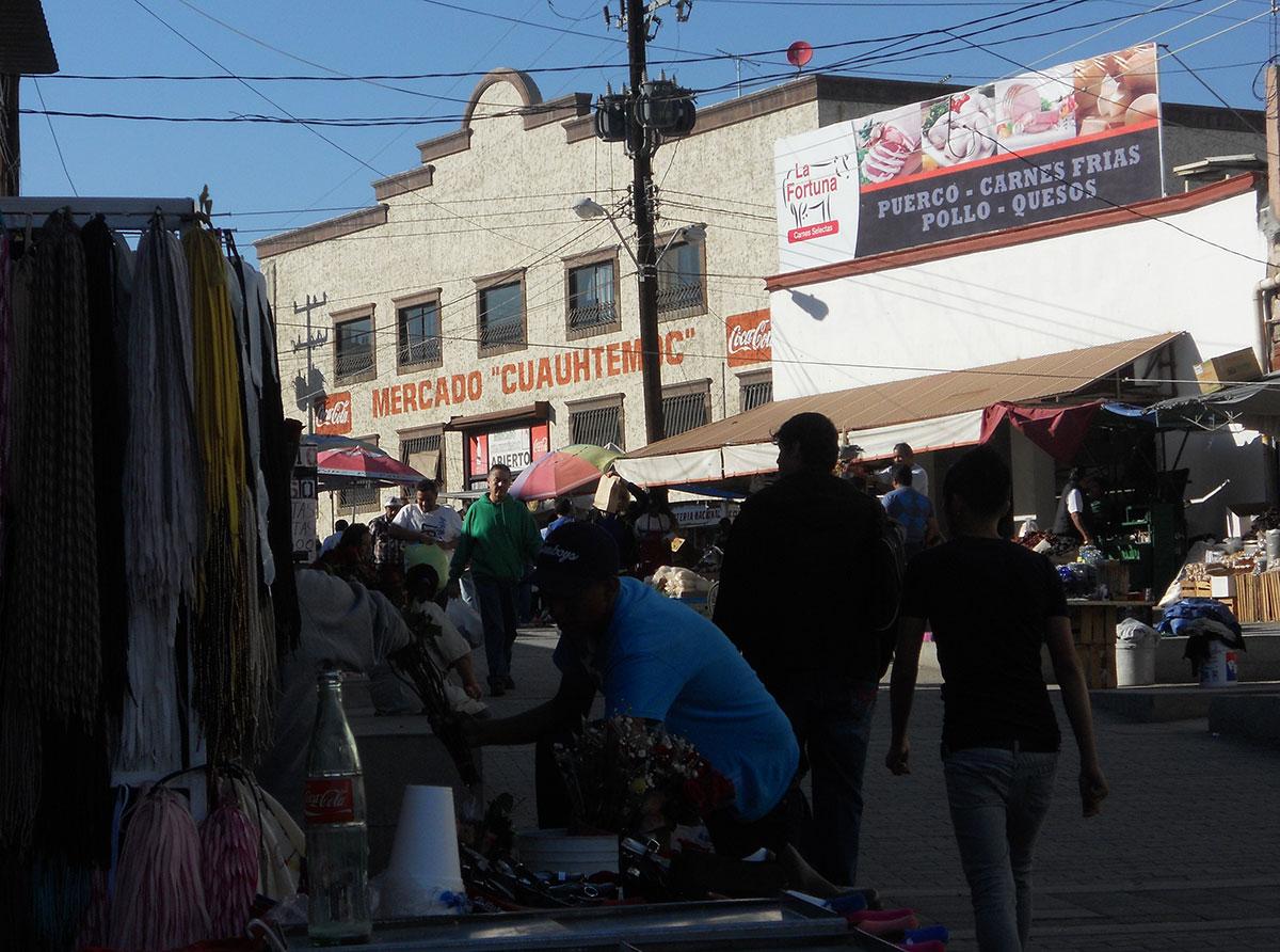 El populoso mercado Cuauhtémoc de Ciudad Juárez. (José Abraham Rubio Zamara/Borderzine.com)