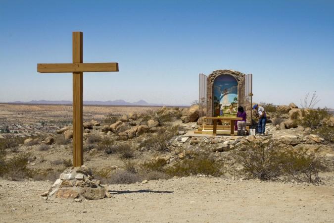Altar for Virgin Fatima in Sunland Park, N.M. desert. (Kristian Hernandez/Borderzine.com)