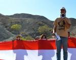 Member of Save the Stacks, Bill Addington, protests the ASARCO demolition. (Sarah A. Duenas/Borderzine.com)