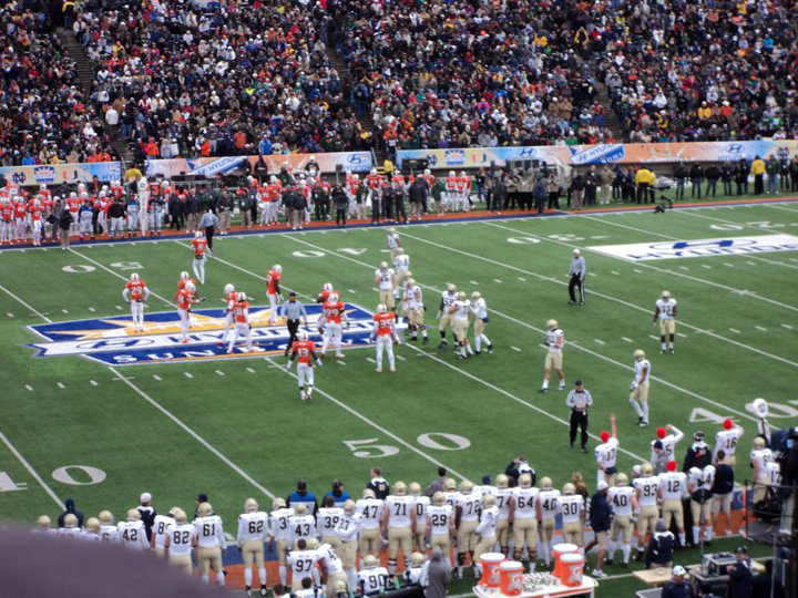 Notre Dame and Miami at the 2010 Sun Bowl in El Paso. (Domingo Martinez/Borderzine.com)