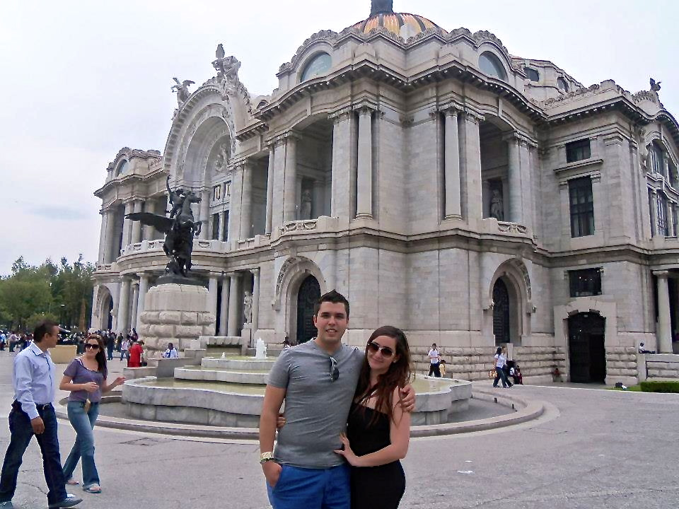 Kathya y Gustavo during a vacation trip to México City. (Courtesy of Gustavo Aguirre)